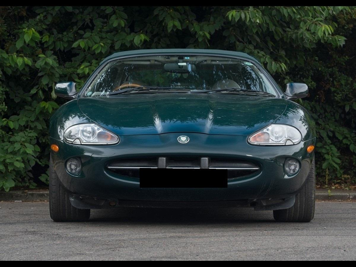 1997 Jaguar XK8 Convertible British Racing Green/Doeskin